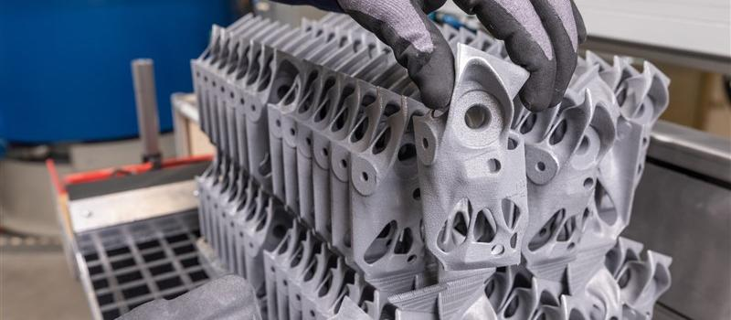 Industrial-scale 3D printing continues to advance at BMW Group